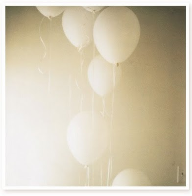 Whte Balloons 5